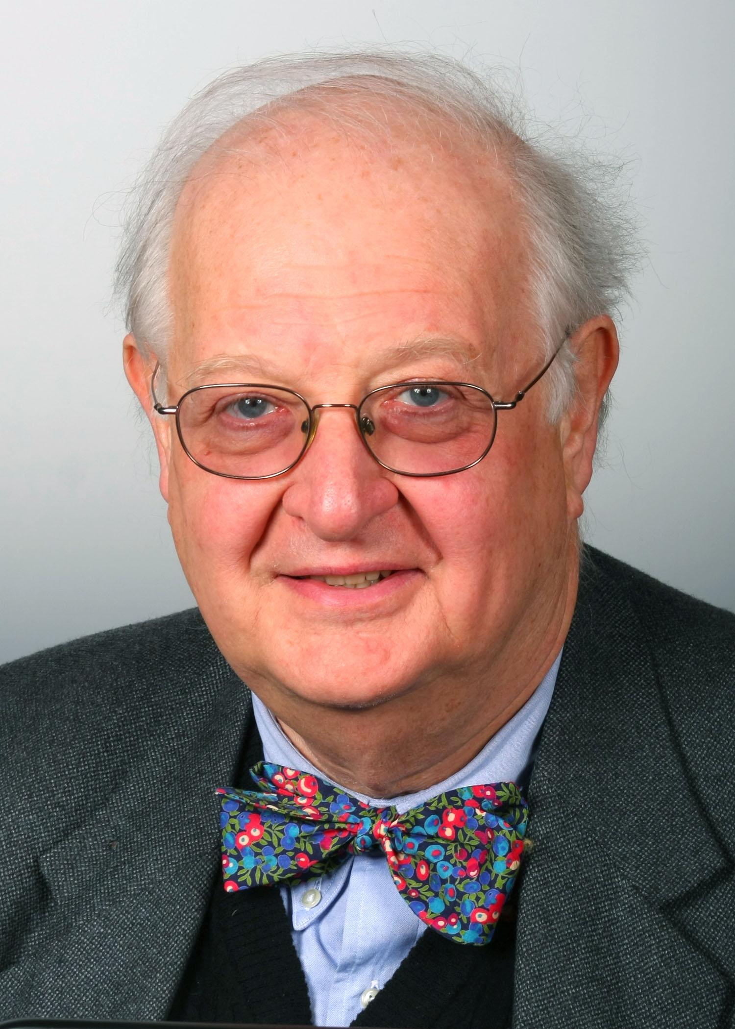Professor Angus Deaton (www.princeton.edu)